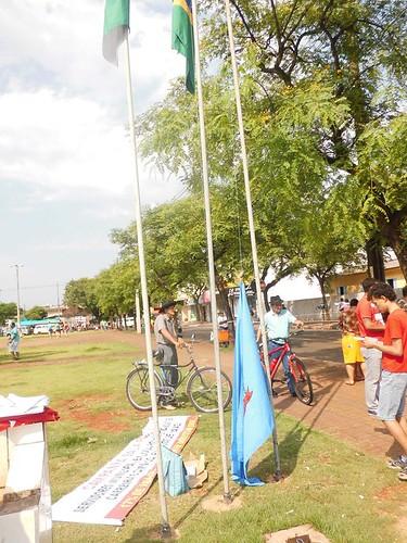 desfile sarandi bandeira