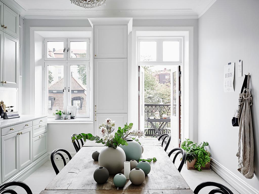 02-white-kitchen