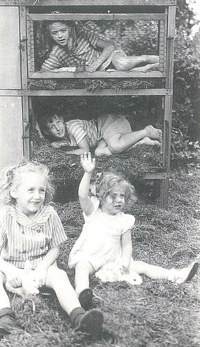 1947-Carol Sharon Johnny Carole Mikesell backyard rabbit hutch at 639 S Hale St Wheaton IL