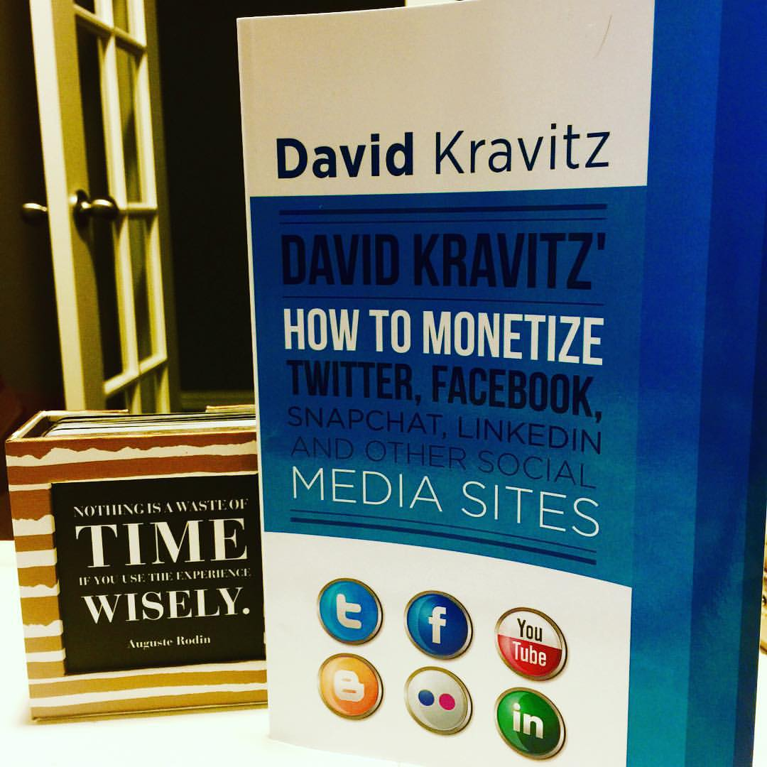 How to Monetize Twitter, Facebook, Snapchat, Linkedin and Other Social Media Sites