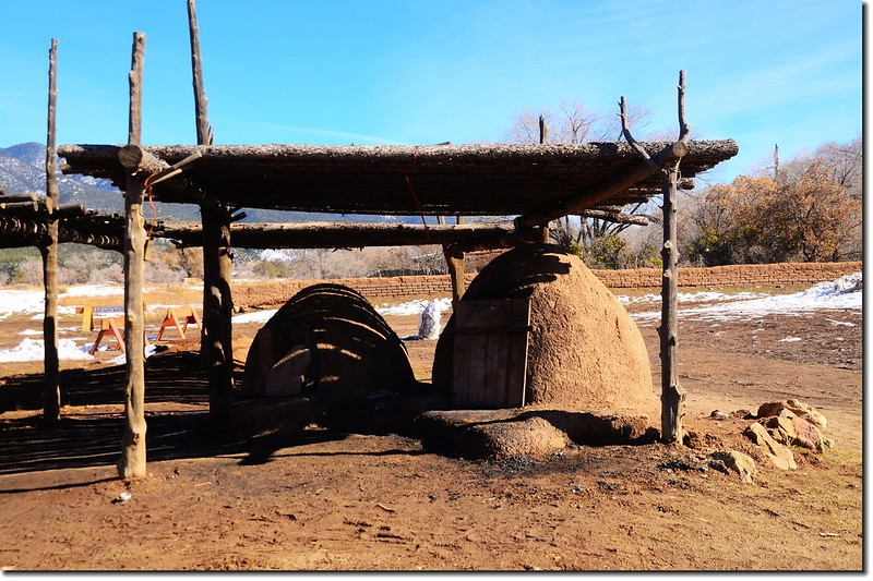 Drying Racks & hornos, Taos Pueblo