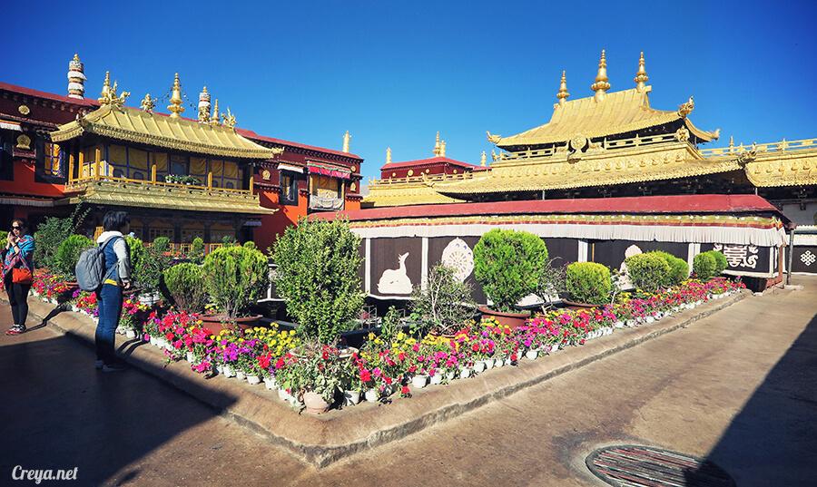 2015.12.09 ▐ Tibet 西藏踢北去 ▐ 尋找藏人真正的拉薩中心,被信仰力量震撼的大昭寺與舊城區 13.jpg