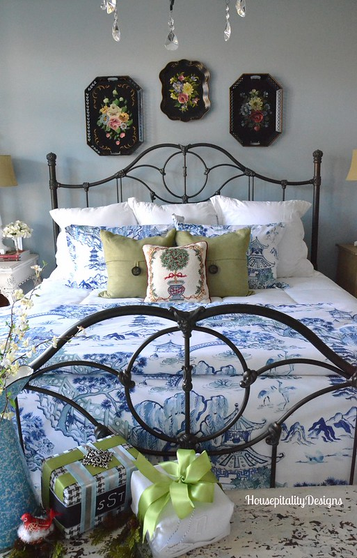 2015 Christmas Guest Room - Housepitality Designs