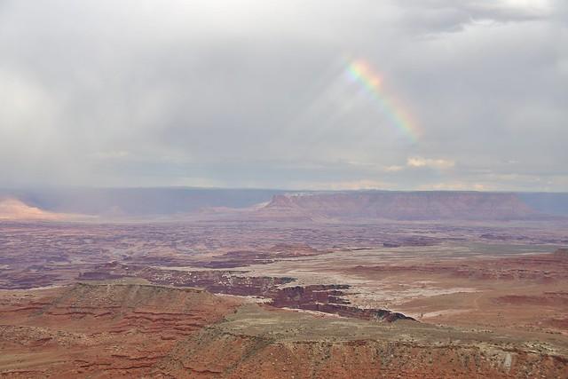 0U1A1916 Canyonlands NP - Island in the Sky - Buck Canyon Overlook, rainbow