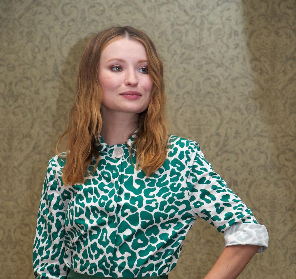 Эмили Браунинг — Пресс-конференция «Легенда» на «TIFF» 2015 – 3