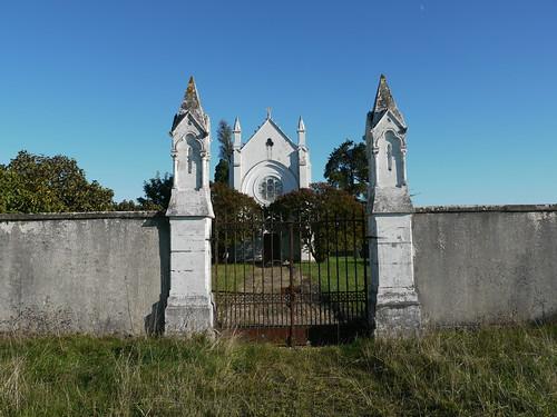Eyres-Moncube, Landes: chapelle funéraire fermée le dimanche