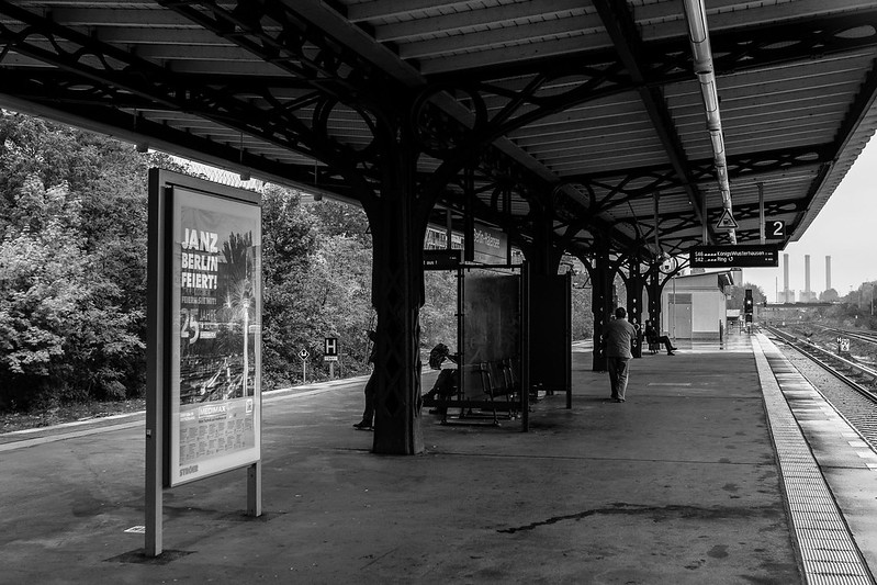 S-Bhf Halensee Berlin - Bahnsteig Richtung Hohenzollerndamm