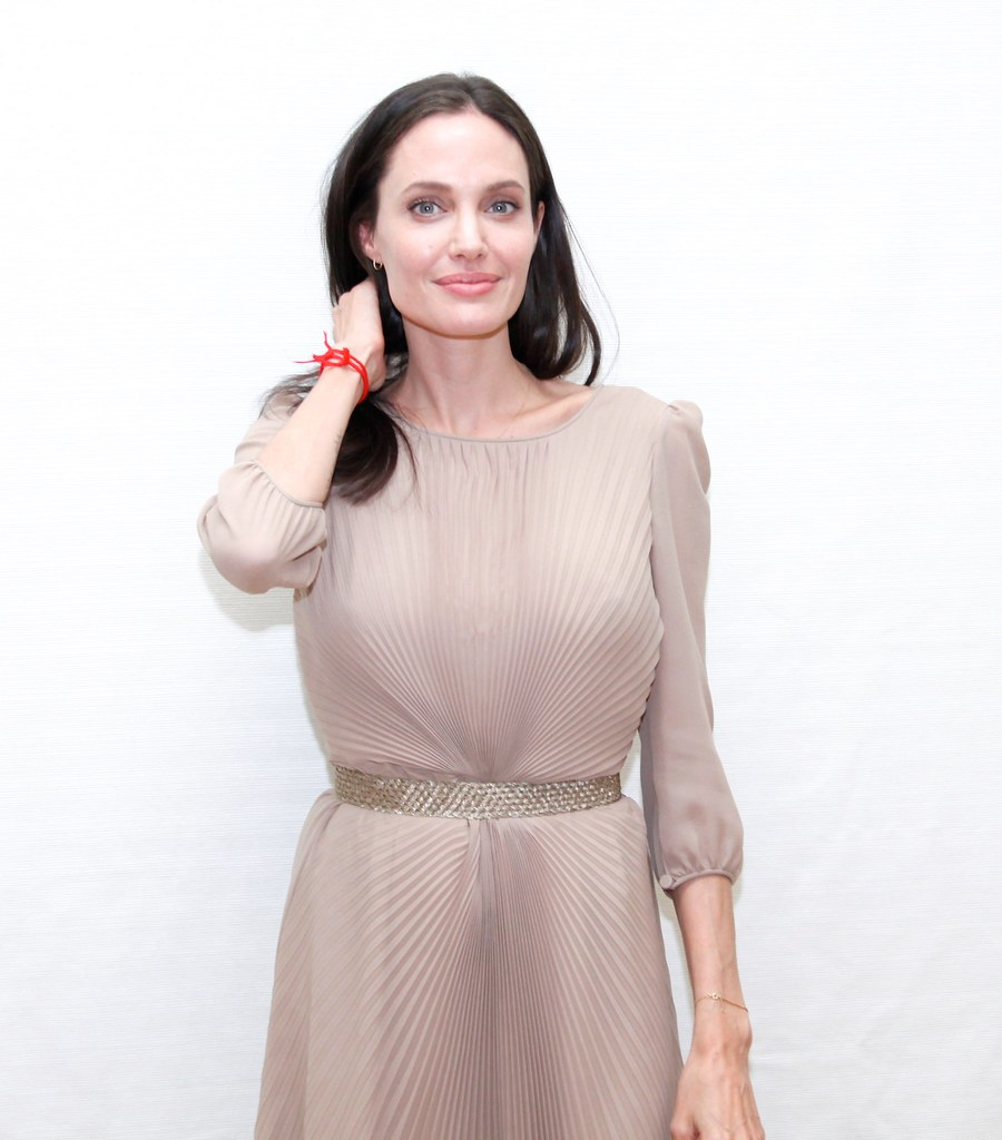 Анджелина Джоли — Пресс-конференция «Лазурный берег» 2015 – 39