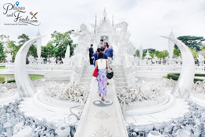 chiang rai white temple center mid shot