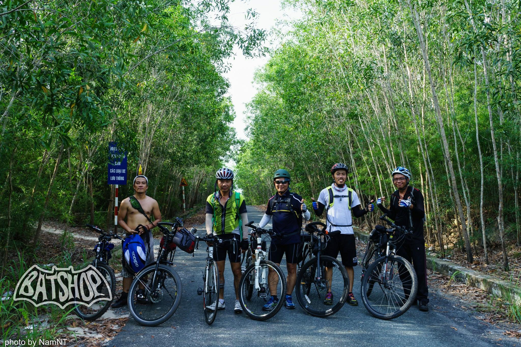 20459127340 da63e6571e k - Hồ Cần Nôm-Dầu Tiếng chuyến đạp xe, băng rừng, leo núi, tắm hồ, mần gà