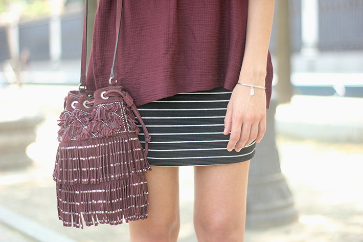 Striped Skirt With Burgundy T-shirt And Fringed Bag Summer Outfit25
