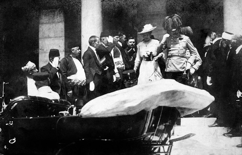 Photograph of the Archduke and his going to their car, a few minutes before the assassination