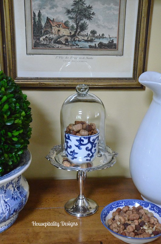 Blue and White Fall decor - Housepitality Designs