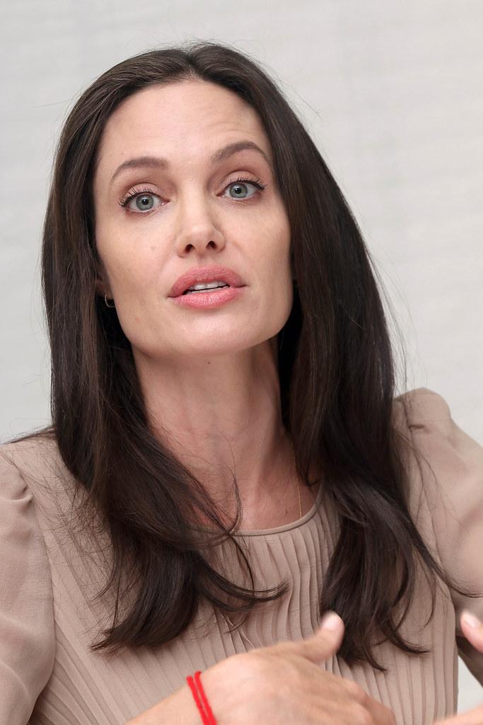 Анджелина Джоли — Пресс-конференция «Лазурный берег» 2015 – 56