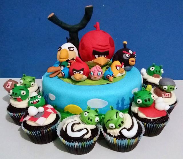 Angry Birds Cake by Ruel Santos of Cake X