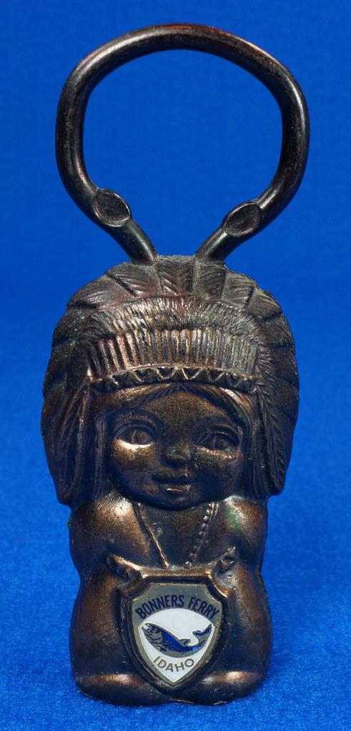 RD15029 Vintage Bottle Opener Native American Indian Bronze Figural Bonners Ferry Idaho Japan DSC06846