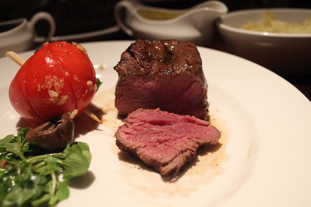 grill-on-the-market-wagyu-beef-fillet-rare
