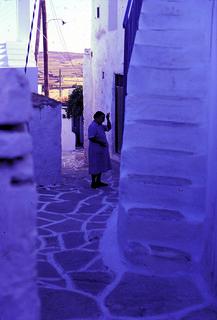 1980_paros_woman_stairs