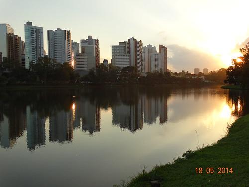 reflexo-urbano_15191144772_o