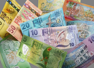 De La Rue Fiji banknotes