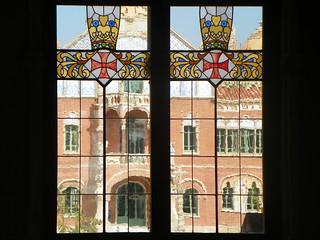 Bilde av Edifici d'Administració. vitrall santpau hospital domènechimontaner modernisme catalunya