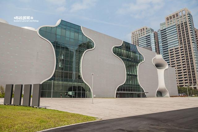 【台中旅遊景點】設計感100%建築!拍照散步好去處@台中國家歌劇院