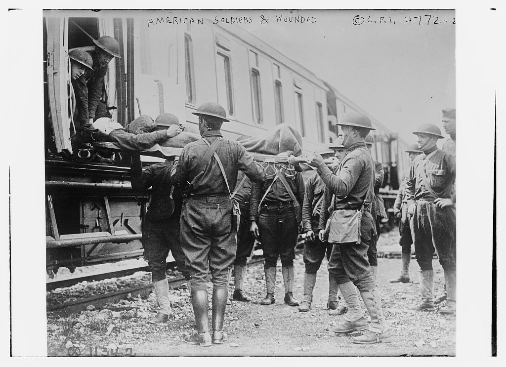 American soldiers & wounded (LOC)