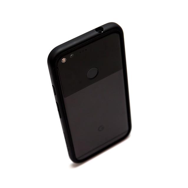 給 Google Pixel XL 強力保護 – 犀牛盾 CrashGuard 防摔邊框 入手分享 @3C 達人廖阿輝