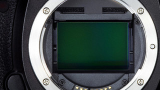 Canon Develops a New Sensor that can Read Material on an Airplane2