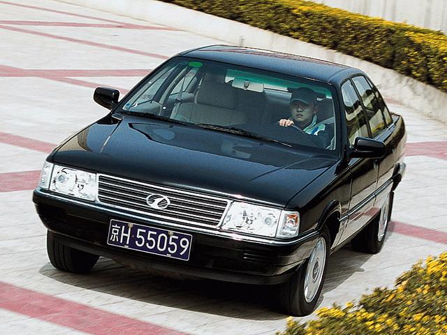 Седан Hongqi CA7202. Китайский клон Audi 100 C3