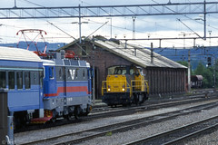 SJ RC 1393 with train 55 & NS 6441