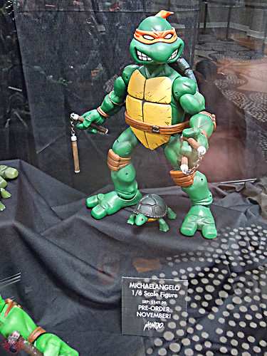 MondoCon 2015 :: Toy Display; TMNT 1/6 figures - Pre-Mutant Mikey & MICHELANGELO