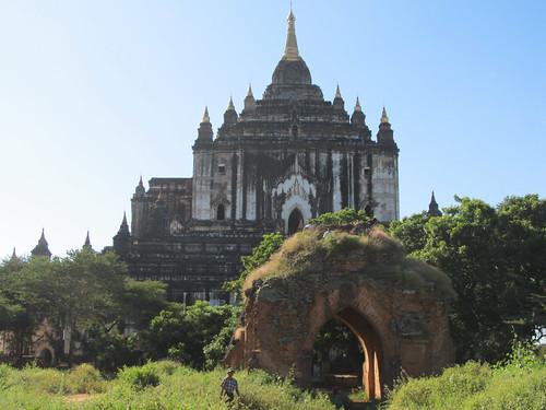 Old Bagan: le temple Thatbyinnyu Pahto