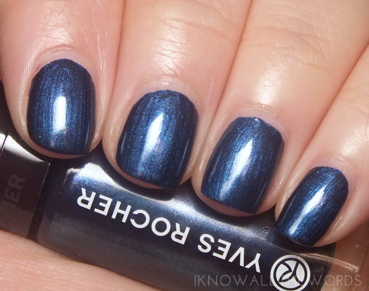 Yves Rocher Holiday 2015 Botanical Nail Colour Midlnight Blue