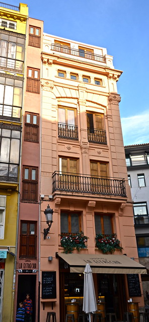 narrowest building in the world, valencia