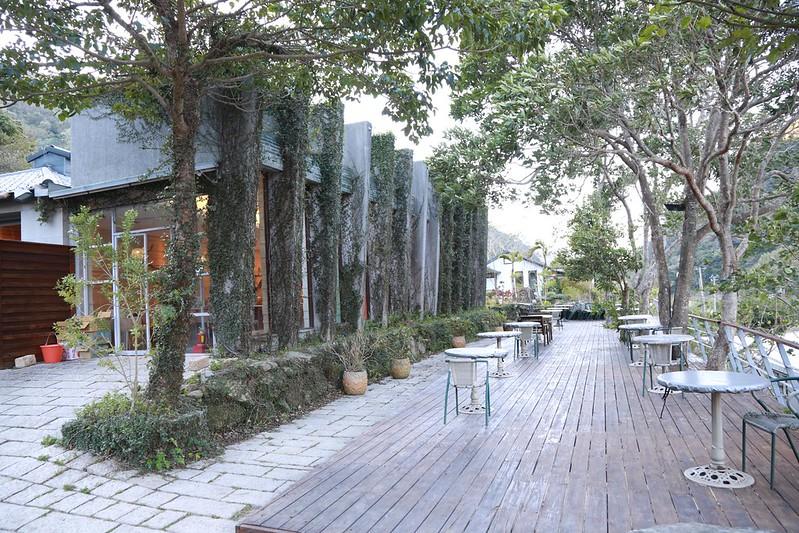 餐廳和戶外座位區