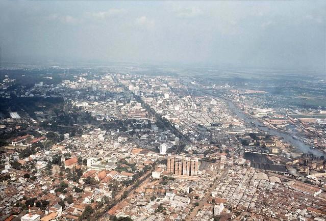 Aerial View of Saigon, 1966-67 - Photo by Rick Parker - Không ảnh Saigon - Đường Trần Hưng Đạo
