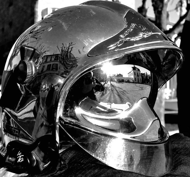 _DSC2028  Reflet dans un casque de pompier