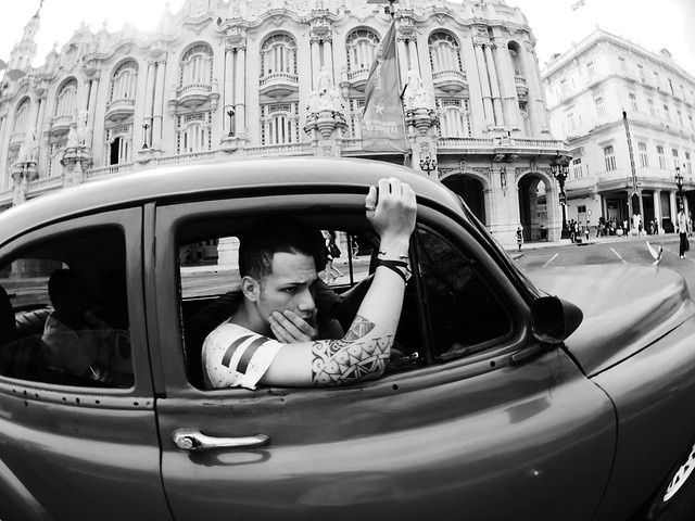 #lahabana #cuba #streetphotography #urbanscape #blackandwhite #havana #vintage