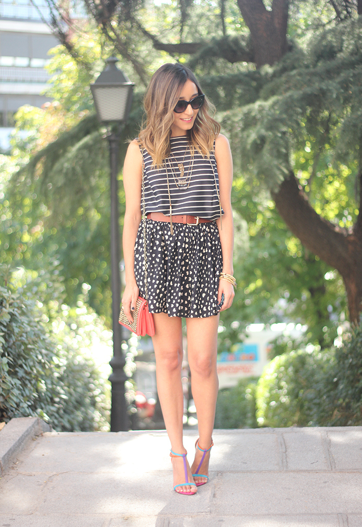 Hearts Stripes Print Skirt Top Outfit Carolina Herrera Sandals13
