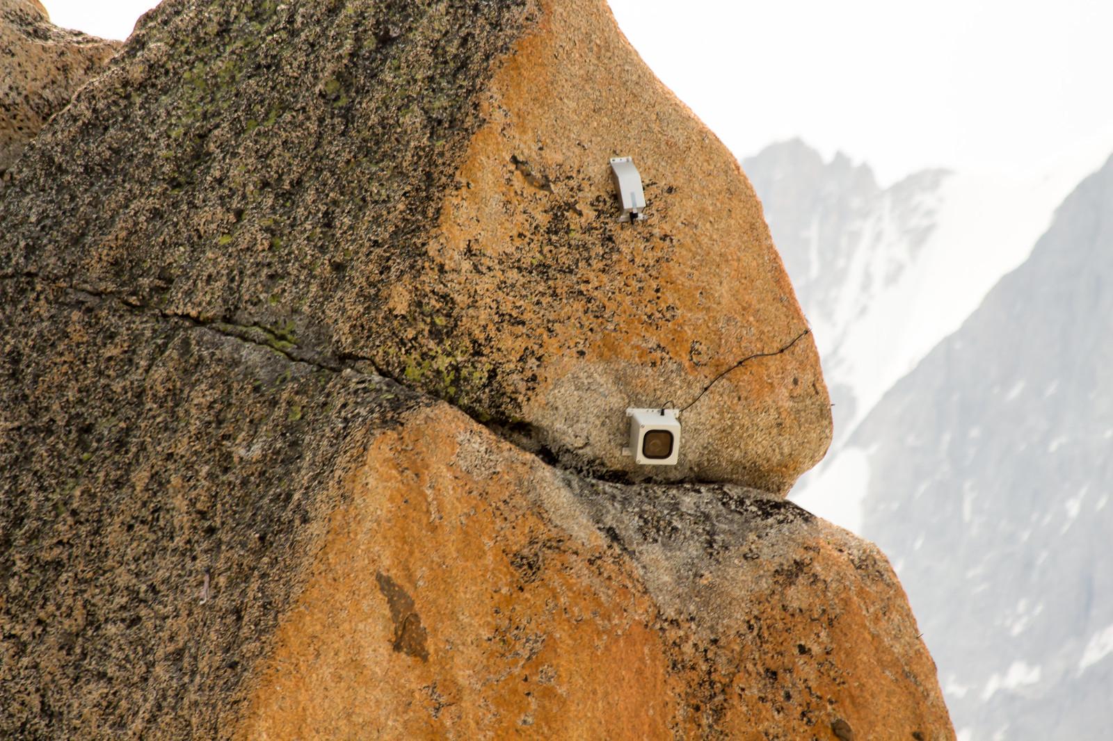 Шамони Мон-Блан - Вебкамеры смотрят за горой круглосуточно - туристическая популяция в этих местах зашкаливает
