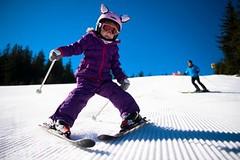 Jak oblékat děti od 2 let pro pobyt apohyb na sněhu
