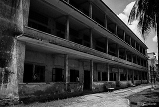 Tuol-sleng-musee-genocide-cambodia