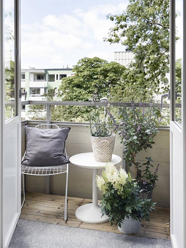 08-outdoor-furniture