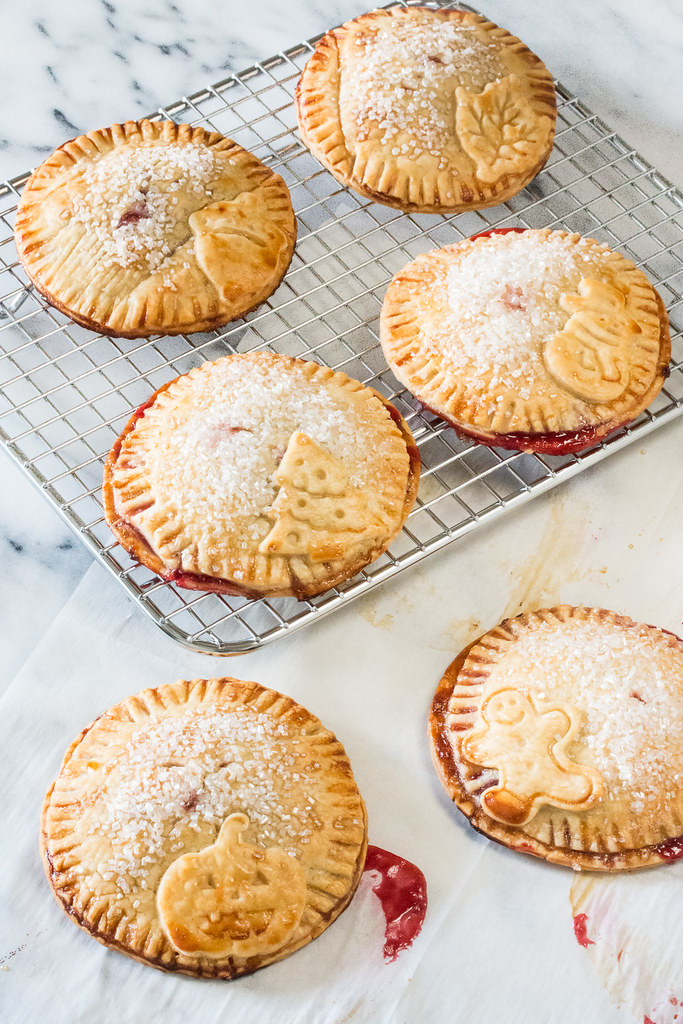 Winter Spice Raspberry Holiday Hand Pies #raspberrydessert
