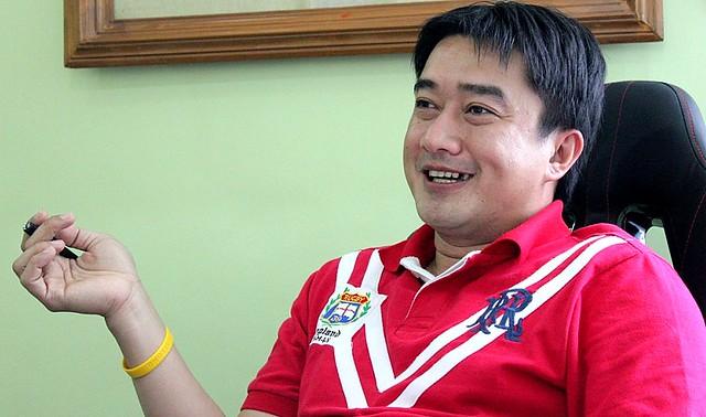 Dumarao Municipal Mayor Leslie Warren Benjamin