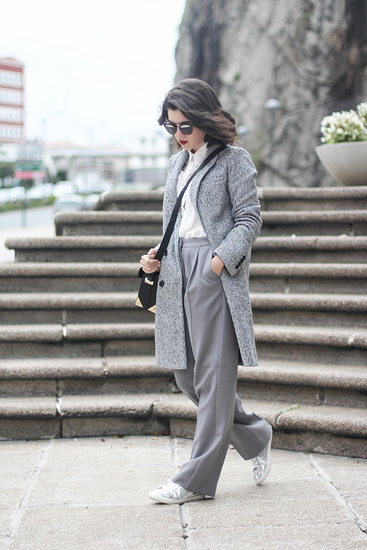 abrigo gris y pantalones de traje la redoute total look myblueberrynightsblog