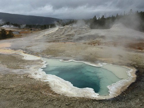 yellowstone heart spring