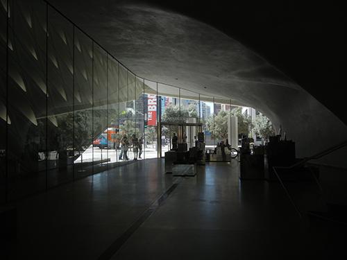 DSCN0318 _ Broad Museum, LA