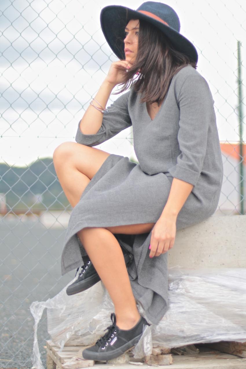 look-vestido-largo-gris